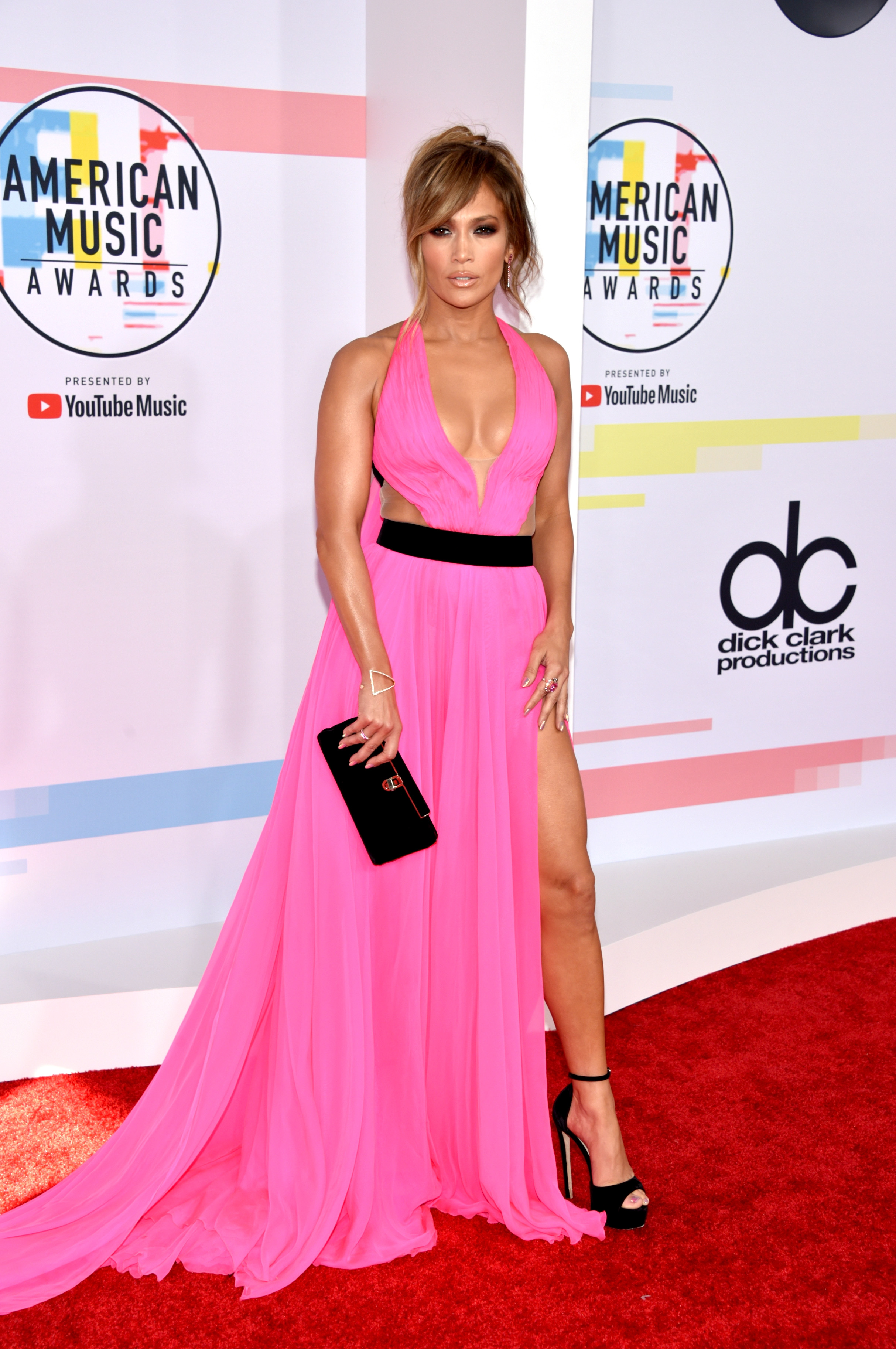 Celebrity Red Carpet Arrivals at the 2019 American Music